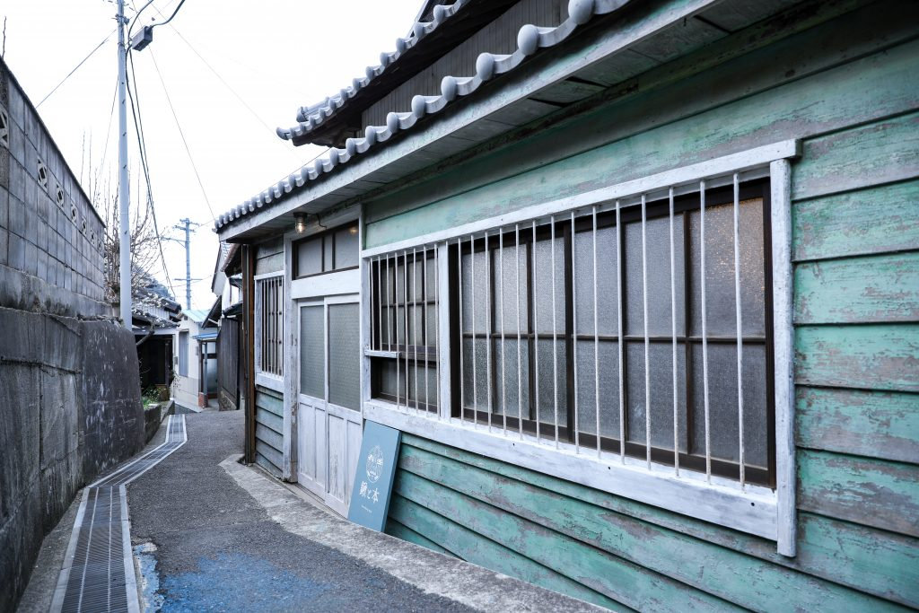 男木島コワーキングスペース鍬と本
